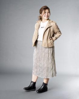 スカートの柄やTシャツの文字と靴をリンク☆